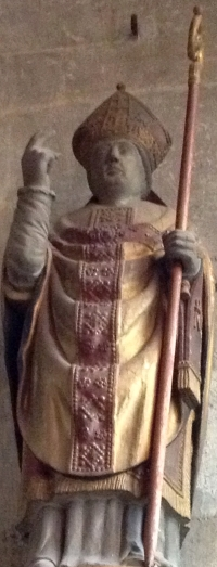 statue of Saint-Mauxe; date and artist unknown; photographed on 5 April 2012 by Giogo; swiped from Wikimedia Commons