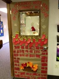 DIY Door Decoration For Christmas - Cathy