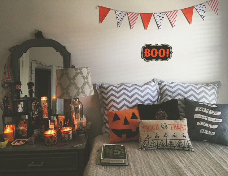 22 Halloween Bedroom Ideas - Cathy - nightmare before christmas bedroom decor