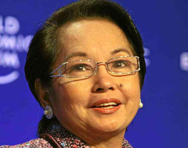 Arroyo freed from detention, out of VMC with convoy of cars