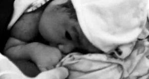 2016_0831_new-born-baby-bw