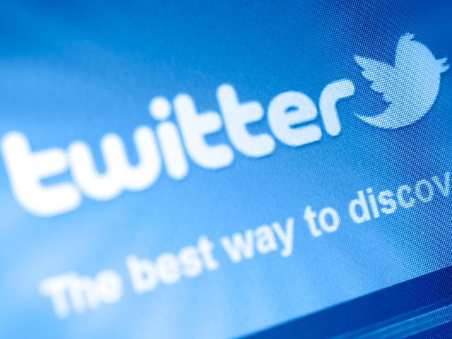 Tweet your way to a new job 8 Twitter templates - CBS News