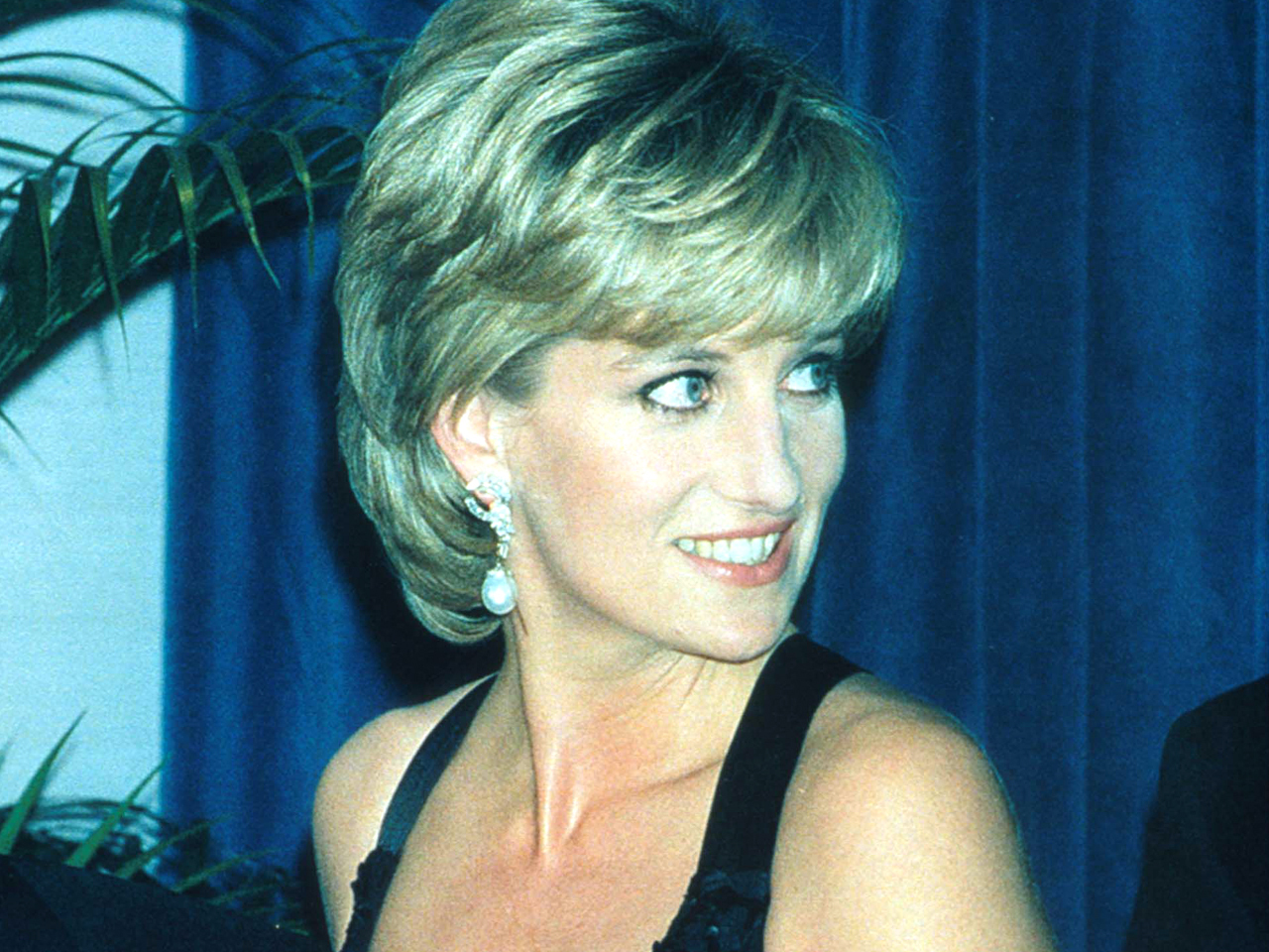Diana D Couchtisch Timeline The Life Of Diana Princess Of Wales Cbs News