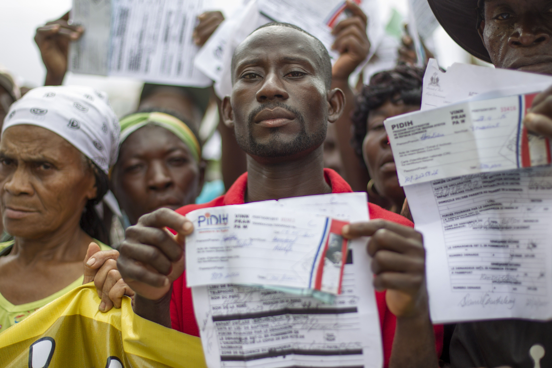 Haitians In Dominican Republic Dash For Residency Deadline