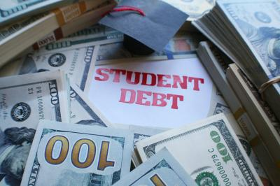 How to graduate college without surprise debt - CBS News