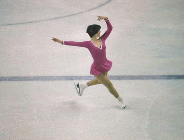 Nancy Kerrigan Vera Wang On Ice Pictures Cbs News