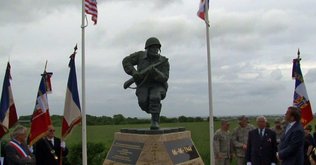 Iphone X Live Wallpaper App D Day Statue Of Band Of Brothers Hero Richard Winters
