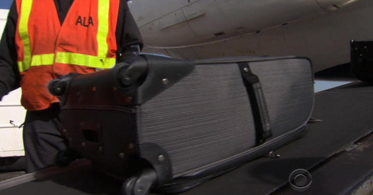 Airlines upgrading luggage technology to prevent lost bags - CBS News