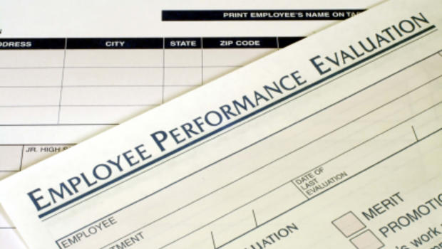 Why even great employees get average evaluations - CBS News