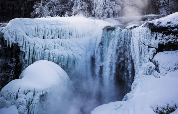 Falling Water Live Wallpaper Frozen Niagara Falls Niagara Falls Beautiful Frozen