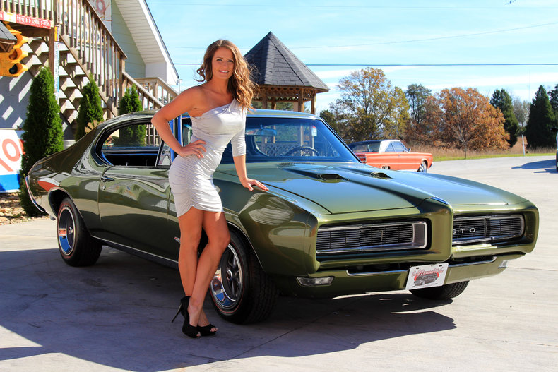 Wallpapers Of Car Corvette Convertible With Black Lights Verdoro Green 1968 Pontiac Gto For Sale Mcg Marketplace