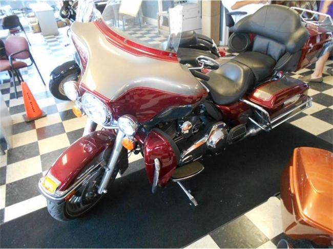 2009 Harley-Davidson Electra Glide - Harley-Davidson (2)