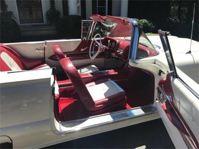 1960 Ford Thunderbird - Automatic (35)