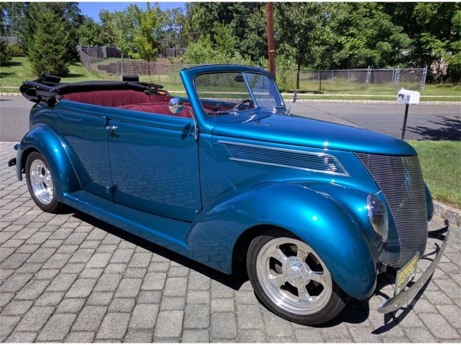 1937 Ford 4-Dr Convertible in Morristown, New Jersey