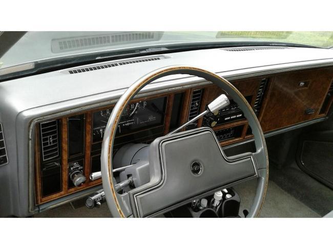1985 Buick Riviera - Buick (13)