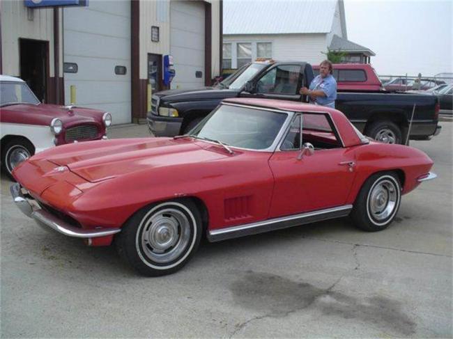 1966 Chevrolet Corvette in Effingham, Illinois