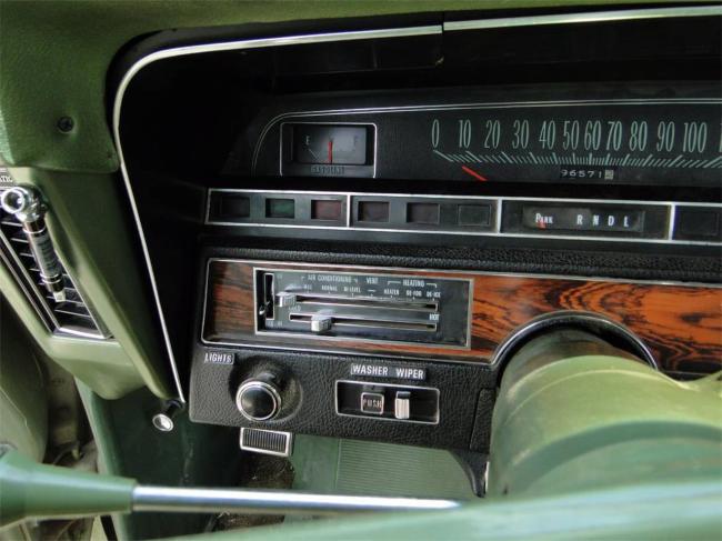1969 Chevrolet Impala - Automatic (12)