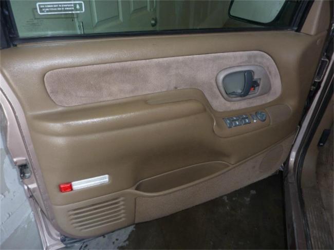 1995 GMC Suburban - Automatic (10)