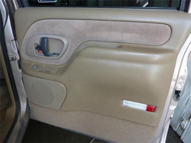 1995 GMC Suburban - GMC (19)
