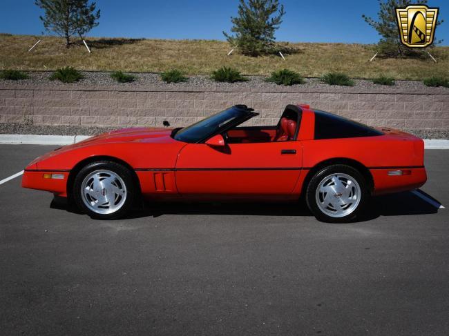 1989 Chevrolet Corvette - Automatic (5)
