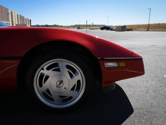 1989 Chevrolet Corvette - Chevrolet (30)