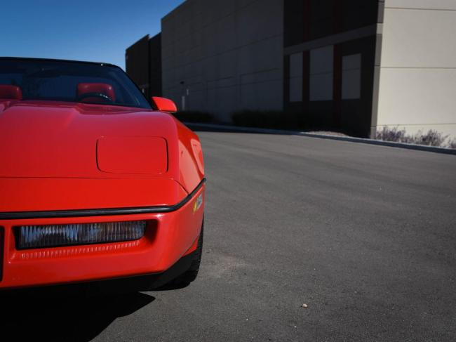 1989 Chevrolet Corvette - Automatic (31)