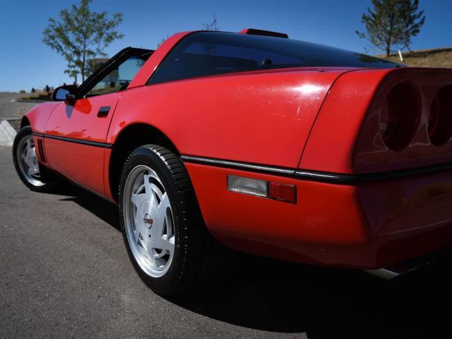 1989 Chevrolet Corvette - Chevrolet (35)