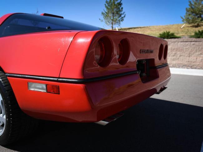 1989 Chevrolet Corvette - Automatic (36)