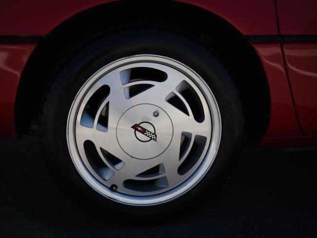 1989 Chevrolet Corvette - Automatic (80)