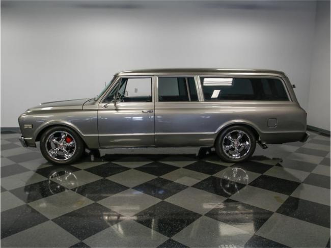 1967 Chevrolet Suburban in Concord, North Carolina