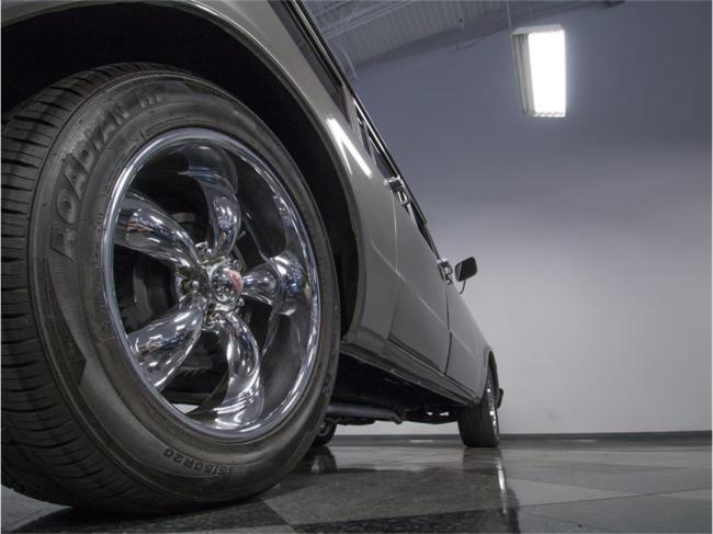 1967 Chevrolet Suburban - Automatic (9)