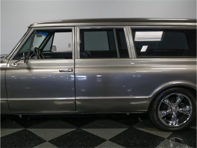 1967 Chevrolet Suburban - Chevrolet (12)