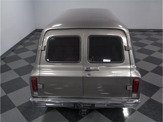 1967 Chevrolet Suburban - Suburban (17)