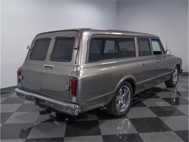 1967 Chevrolet Suburban - Automatic (18)