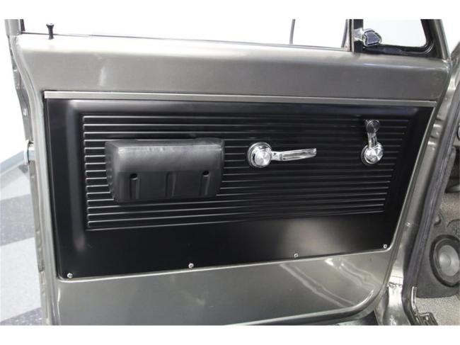 1967 Chevrolet Suburban - Suburban (36)