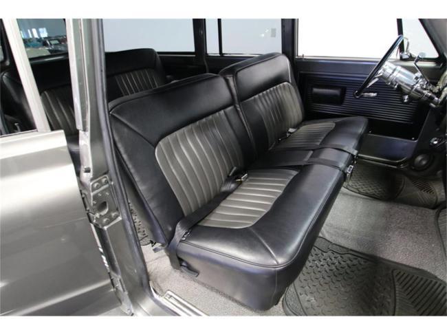 1967 Chevrolet Suburban - Suburban (41)