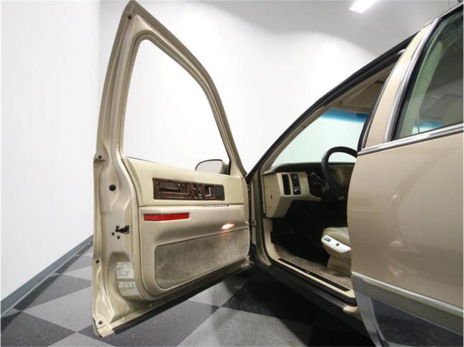 1996 Cadillac Fleetwood - Fleetwood (36)