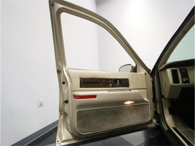 1996 Cadillac Fleetwood - Tennessee (37)