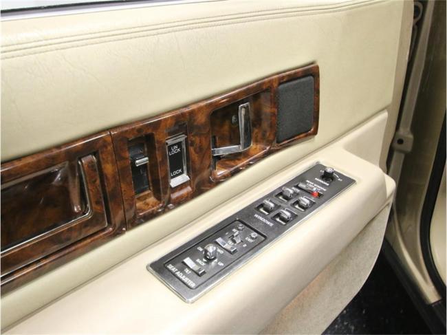 1996 Cadillac Fleetwood - Tennessee (38)
