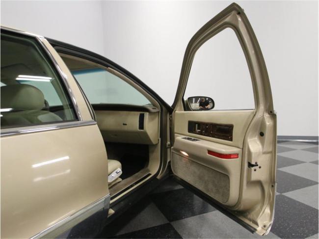 1996 Cadillac Fleetwood - Tennessee (49)