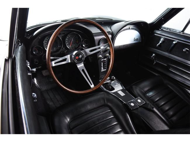 1966 Chevrolet Corvette - Manual (18)