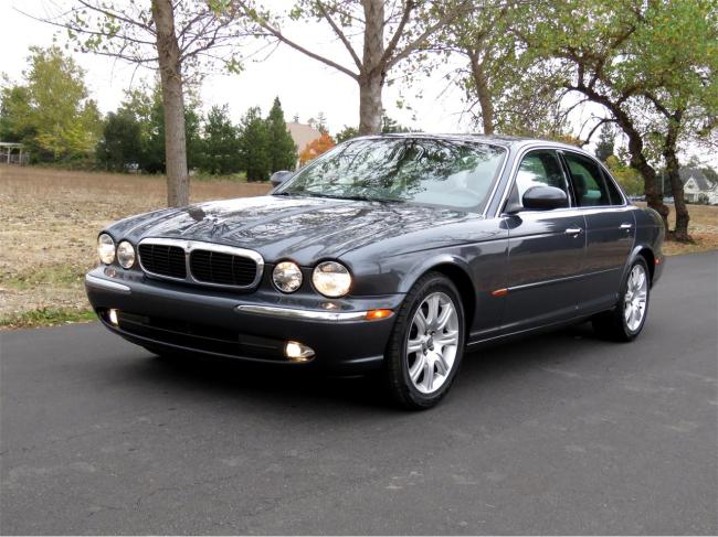 2004 Jaguar XJ8 - California (2)