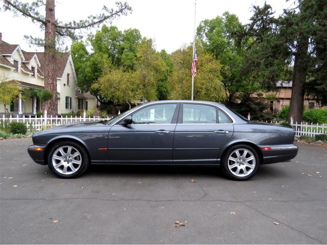 2004 Jaguar XJ8 - California (4)