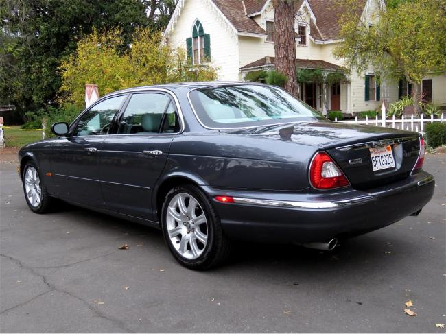 2004 Jaguar XJ8 - Automatic (5)