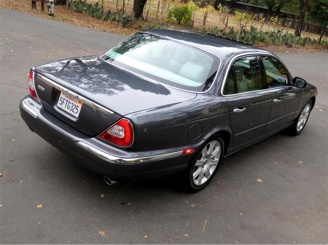 2004 Jaguar XJ8 - Automatic (9)