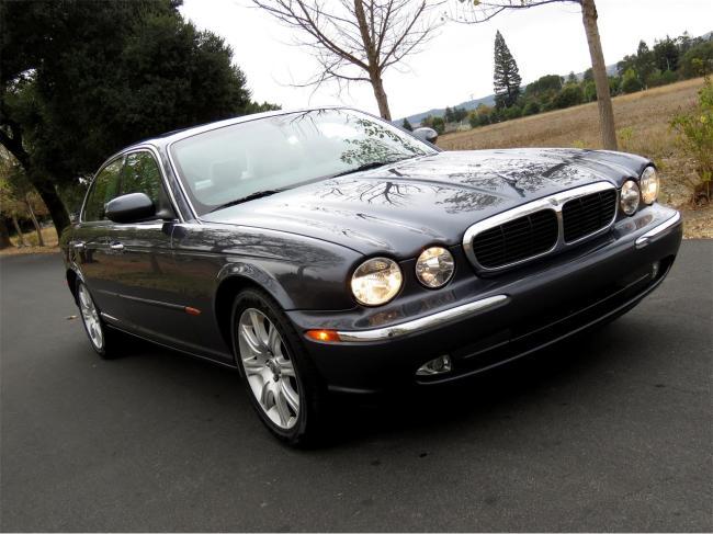 2004 Jaguar XJ8 - Jaguar (12)
