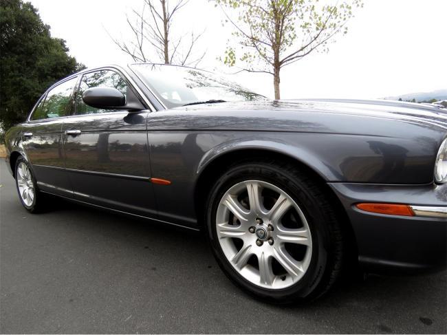 2004 Jaguar XJ8 - 2004 (22)