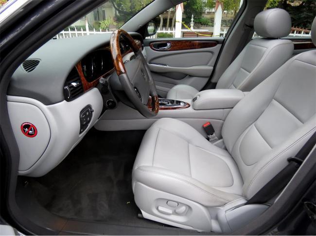 2004 Jaguar XJ8 - Jaguar (42)