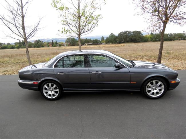 2004 Jaguar XJ8 - California (79)
