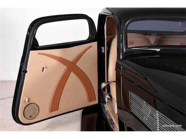1934 Ford 3-Window Coupe - Automatic (31)